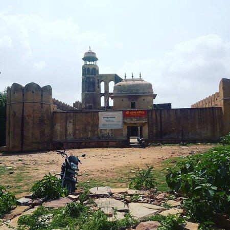 caran mandir temple to view JAL Mahal