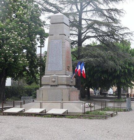 Monument Aux Morts De Die