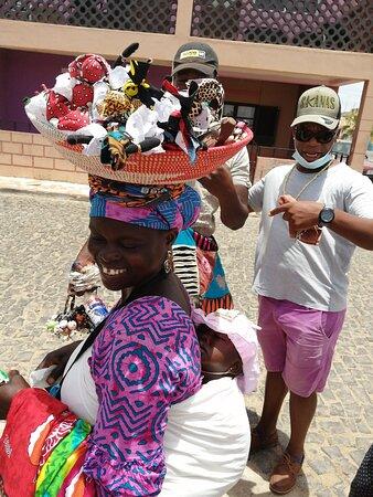Santa Maria, Capo Verde: Caramau é 10 estrelas! Adorámos a sua boa onda, confiança e dedicação. Só podemos agradecer muito pelas maravilhosas experiências e gargalhadas, e esperar que o dia de nos voltarmos a ver seja em muito breve! Familia de Cabo Verde! 😍😘😍
