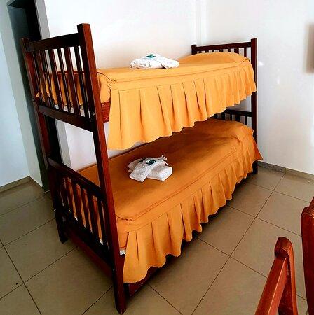Puerto Madryn, Argentina: Cama cucheta con cama deslizante