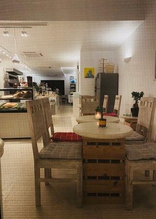 Ghajnsielem, Malta: The White Knight. Boutique Hotel, Restaurant, Bistro, Vinothek, Bar, Patisserie.