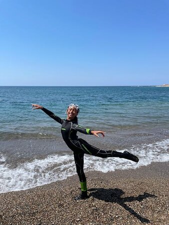 Discover SCUBA Diving with Pissouri Bay Divers: Happiness of a dancer transformed in scuba diver for one day