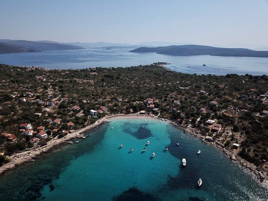 Drvenik Mali, Κροατία: vela rina one of the beautiful places to visit! if you want to visit vela rina, no problem i am here for you 😎⚓️🌊😉