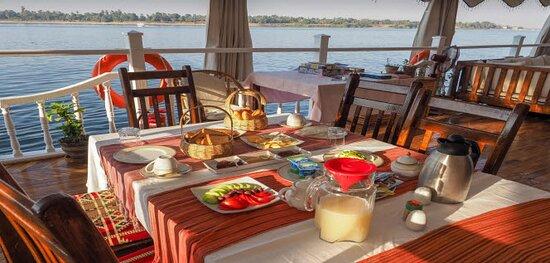 open air dining aboard a dahabiya