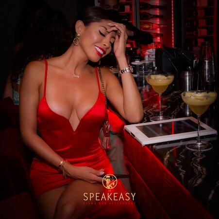 Le Speakeasy Cannes Restaurant Piano Club • Live Music & Clubbing all Night Long • Best Place in Town • Cosy, Chic & Elegant  Our dress code is Art smart