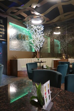 Interior decor with a water wall