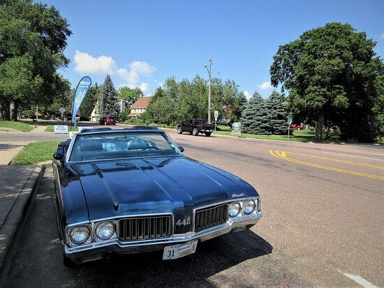 Peoria Heights, IL: The Olds 455 V8. August 2021