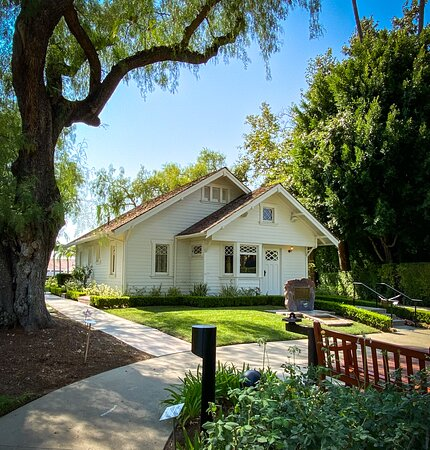 Admission to Richard Nixon Presidential Library and Museum Ticket: The farmhouse where Nixon was born, now on the library property