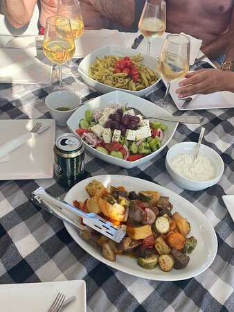 Luxury Catamaran Cruise from Athens with Traditional Greek Meal and BBQ لوحة