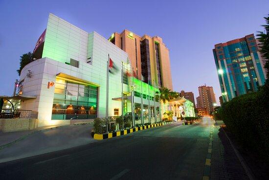 Holiday Inn Suites Kuwait Salmiya, an IHG hotel