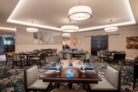 Join us for modern American dining in Mr. D's Restaurant & Lounge