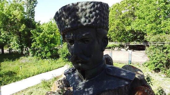 Talin, Armenia: Սասնա Բերդ Սուրբ Վարդան եկեղեցի
