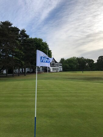18th green celebrating our NHS