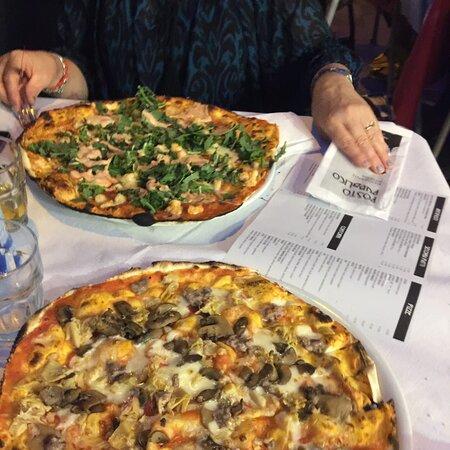 Ottima pizza 🍕 dentro il centro di colli al metauro. Ottimo staff