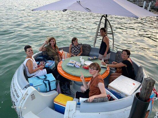 Acqua Party Boat