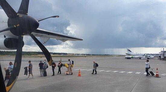 Finnair: Boarding at Helsinki-Vantaa