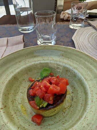 Servizio e qualità eccezionali, piatti veramente buoni. Sicuramente un posto in cui ritornare