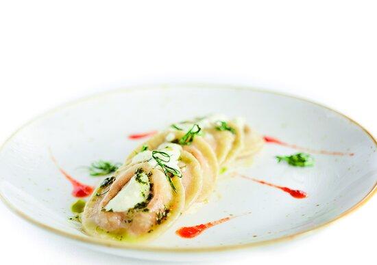 Baccala' in tempura con crema di fave e mostarda di cipolla di Certaldo