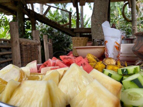 Arusha, Tanzania: Taste our fresh local fruits