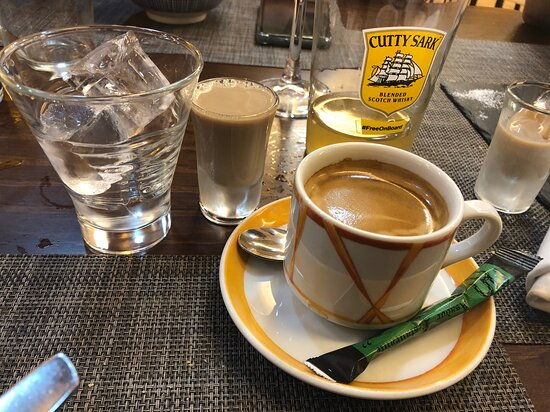 cafe y chupito