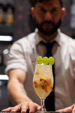 Drink da abbinare ad ogni portata accompagnati da frutta fresca o estratti fati al momento e da distillati di qualità