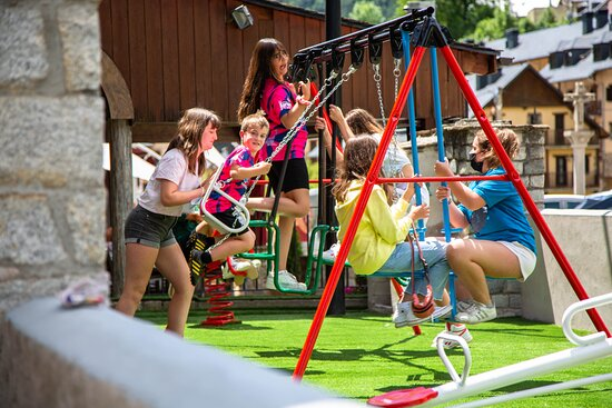 Contamos con parque infantil para los más pequeños