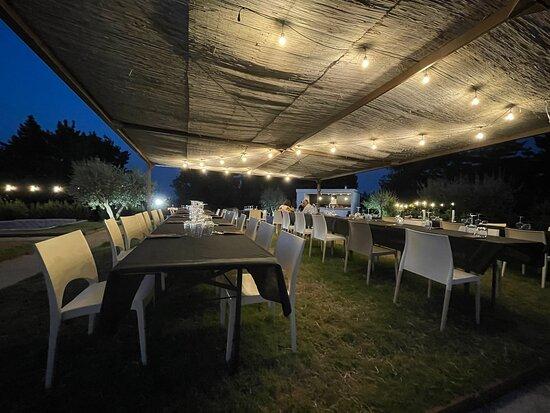Celle di Bulgheria, Italien: Un posto da sogno… curato nel dettaglio, trasmette pace ed armonia, vista mozzafiato, cibo delizioso, carne eccellente, formaggi e salumi di alta qualità, e le sfiziosissime patatine cips, nonché i contorni