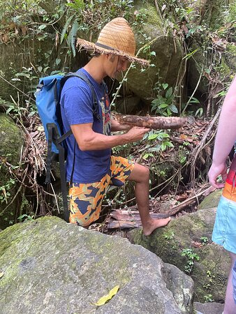 Andres climbing rocks barefoot.....!!!!!!!!!!