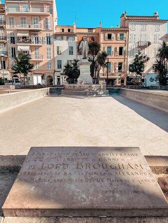 Monument à Lors Brougham - Cannes