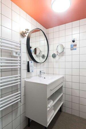 Saint-Quentin-Fallavier, France: Bathroom