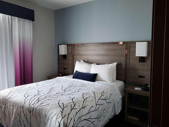Kitchen Suite beds bedroom