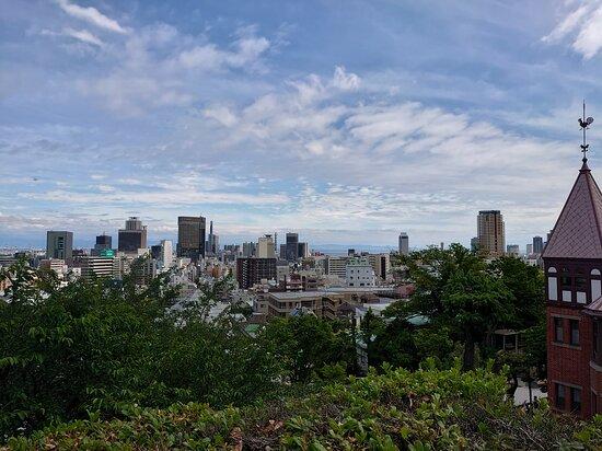 風見鶏の家をはじめとして神戸の街が一望