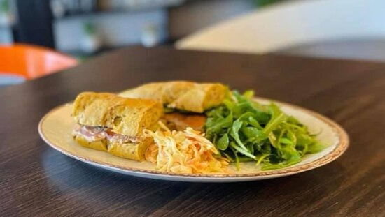 8 seeds baguette with Salmon, Tuna Mayonnaise and pickled red onions