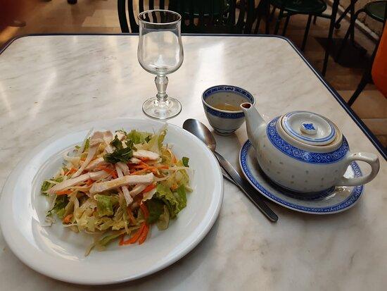 Restaurant Viet Nam, just off the main street of Avignon (July 2021). Enjoyed my set lunch here. ✌✌