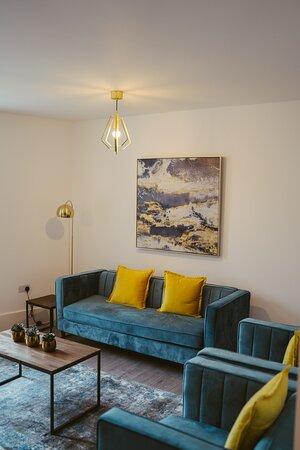 Apartment 6 lounge