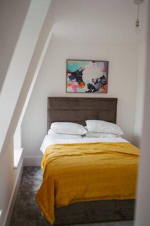 Apartment 6 bedroom 2