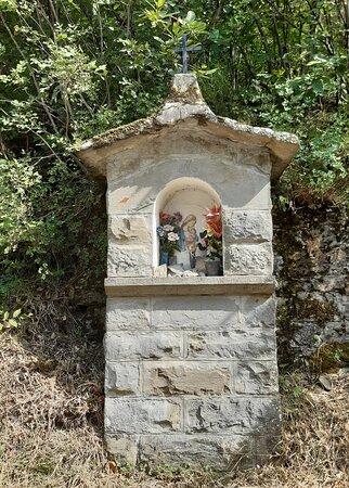 tabernacolo lungo la strada che conduce al Santuario