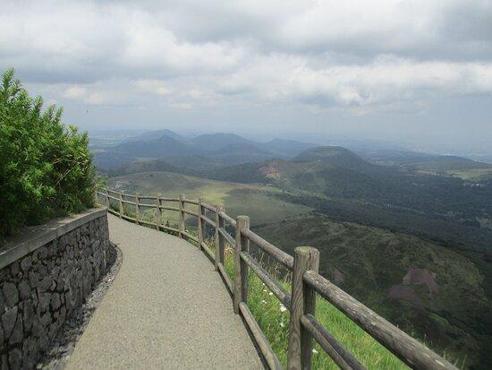 Panoramique des Dômes