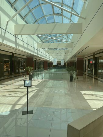 A luxus mall. Very clean with all the standards against Covid-19