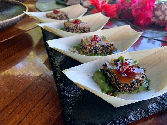 Tataki de atún uno de los favoritos de nuestro menú 🥂