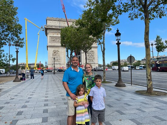 Arc de Triomphe here in the background (being worked-on a bit).