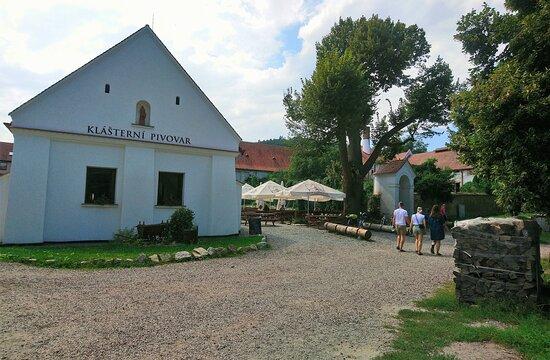 Brauereigaststätte mit Biergarten