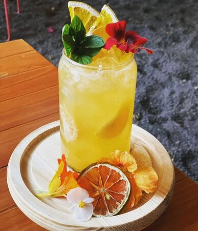 Make sure you try our seasonal cocktails made with the best local products 🍹🥂