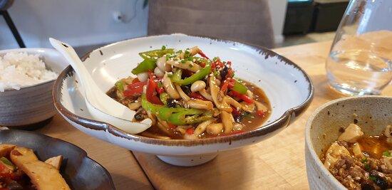 Handmade dining table - Ảnh của Eat in Time, Copenhagen - Tripadvisor