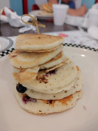 Kids blueberry pancakes! What a presentation!