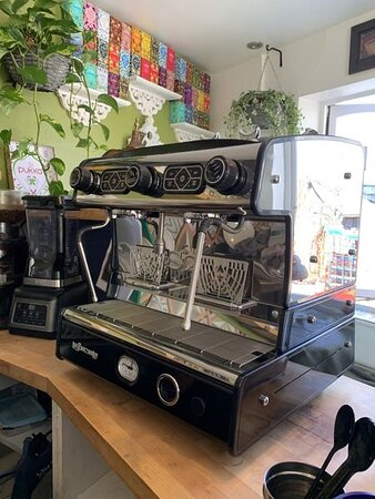 The best coffee starts with an exquisite machine and Black Mountain Small Batch coffee freshly made for you