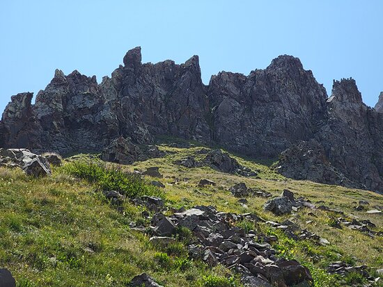 Hoodoos (column of weathered rock).