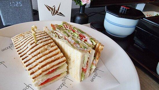 Pre-Dinner: Shrimp Sandwich