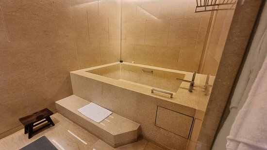 This is a huge bathtub / best in town - we create our private onsen here !