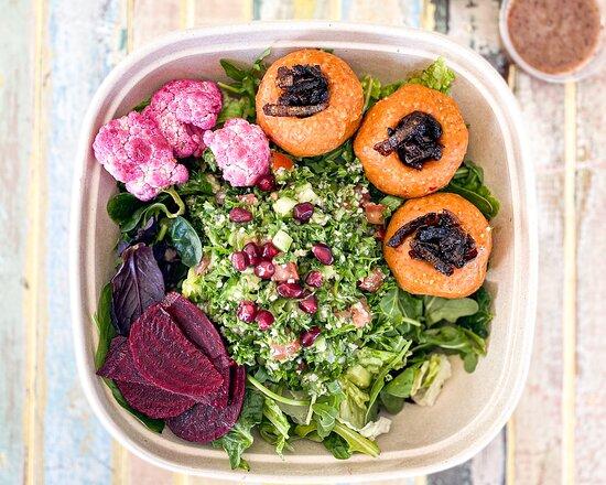 Red Lentil Balls Salad